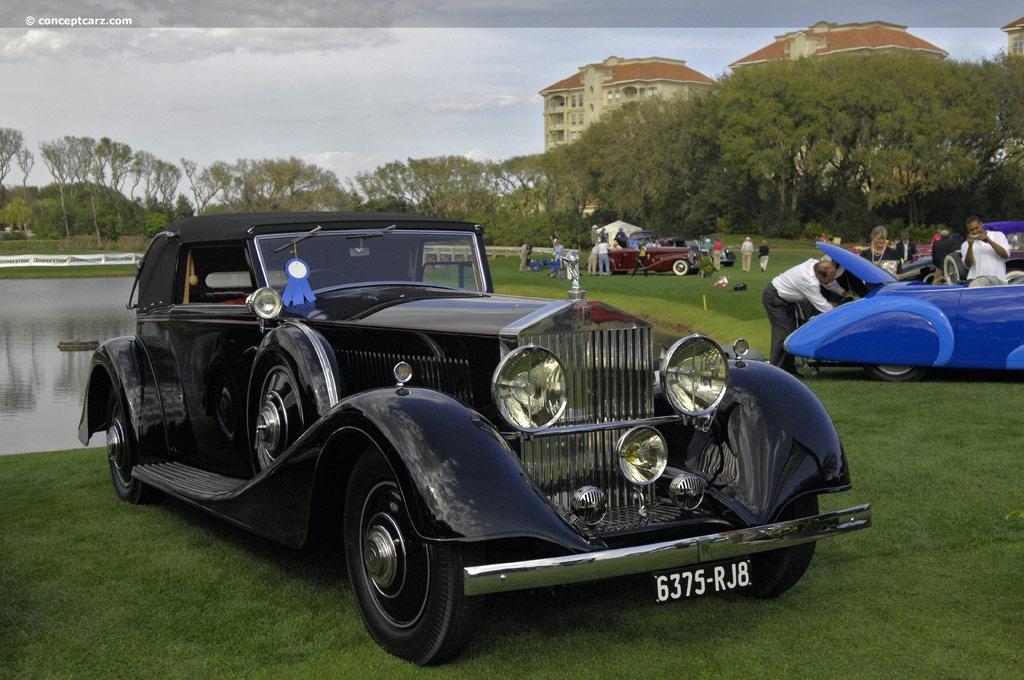 Beispielbild für das Rolls-Royce-Modell (Phantom II), das Johanna in der Schweiz hinterlasssen hatte