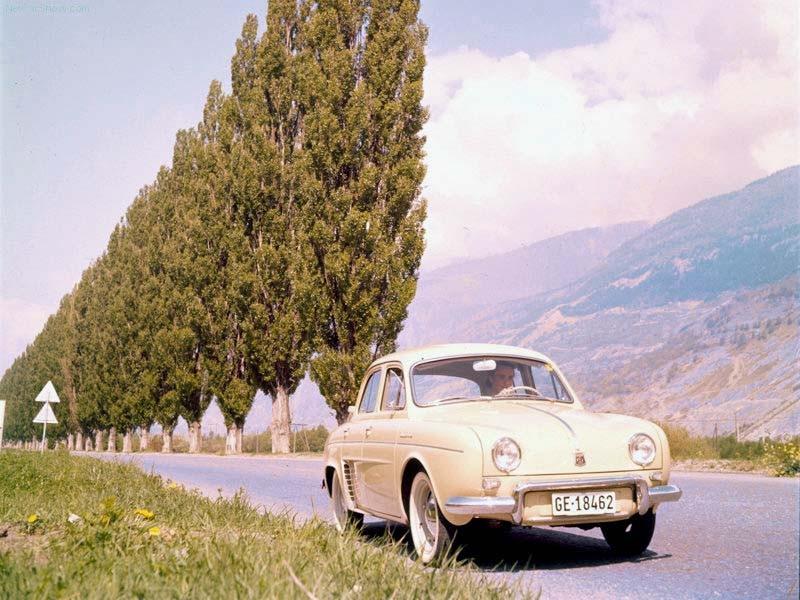 In einem solchen Renault Dauphin bekam ich mal eine Fehlzündungs-Knall-Vorführung