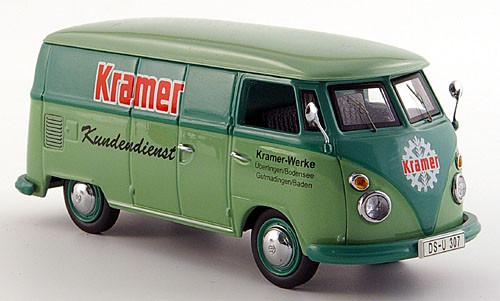 """In einem solchen VW-Transporter, aber mit der Aufschrift """"Sanella"""" durften wir im Laderaum mitfahren"""