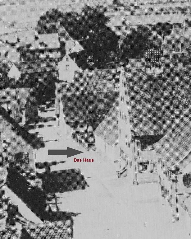 Das Haus - vom Kirchturm herab gesehen.