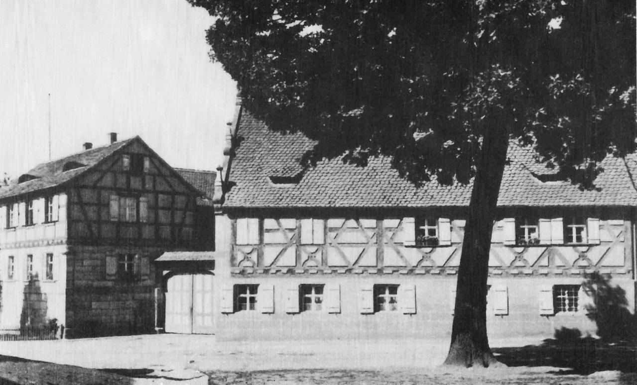 Teilansicht des Mühlenkomplexes mit barockem Fachwerkhaus.