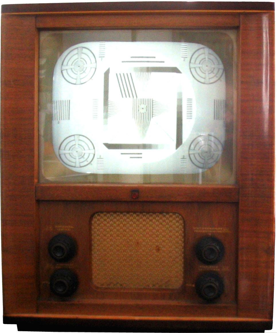 Eines der ersten Fernsehgeräte aus den 1950er Jahren