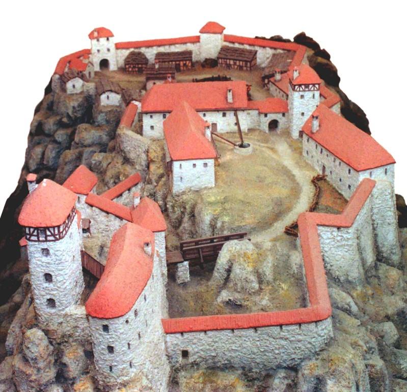 Burgmodell, Zustand um 1480, Ansicht von Norden (Fränkische-Schweiz-Museum)
