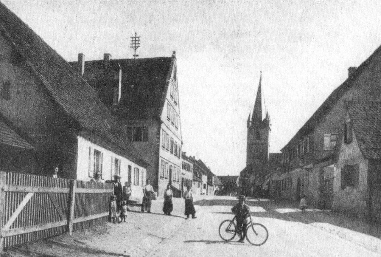 1919: das Haus (links mit Zaun) von der Fürther Straße gesehen,