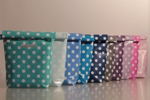 HEY STUFF Wet Bags, in blau, grau, mint, sand, rosa 39€