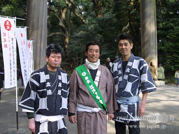 源太連さん。 地元は雑司ヶ谷。秋のふくろ祭りおススメです。長崎神社も良いです。祭りはみんなでワイワイできるところがいいよね。