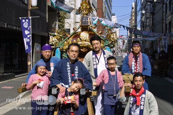 神三町會さん。祭りをきっかけに、この街に戻ってくる。祭りの時はかつての屋号呼ばれたりして、この地で生まれた誇りを思い起こすよね。