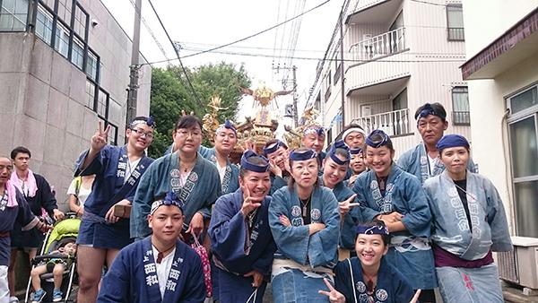 〈GP-17003〉 朝日會さん:飛木稲荷神社例大祭・2016年9月11日・ 墨田区押上・コメント:地元のお祭りで同好会の集合写真です。
