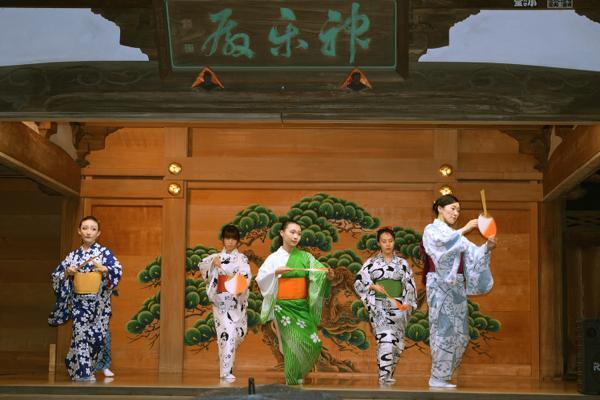 北澤八幡神社例大祭_005 ©北澤八幡秋祭り実行委員会