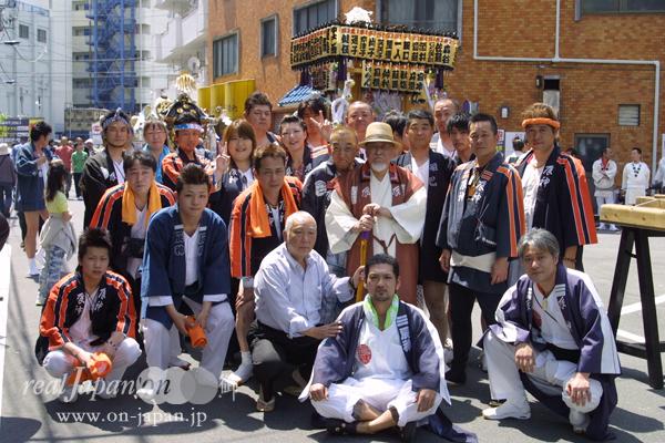 辰神さん。関東一円、年間50箇所は担ぎにいくよ。40年以上やっているよ。