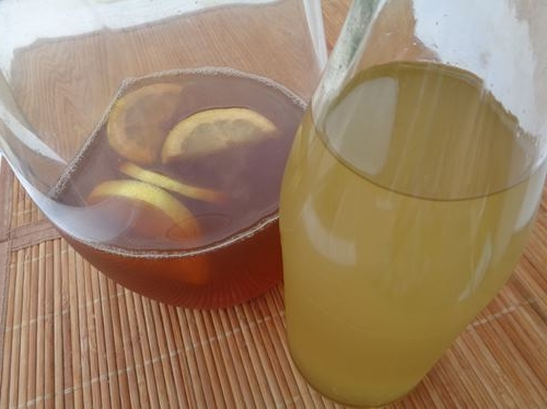 Iced earl grey tea with lemon and elderberry cordial