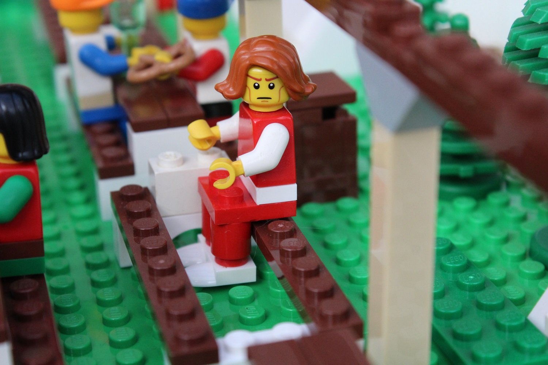 Wie sitzt eigentlich eine Legofigur