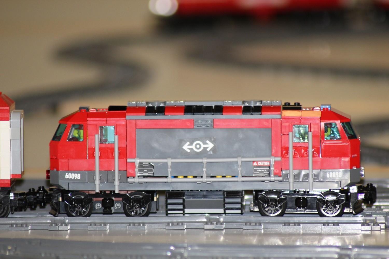 Hospitalzug mit Diesel-Lok 60098