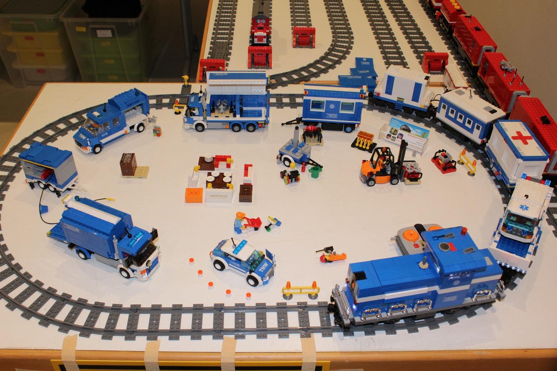 THW FGr Log mit THW-Eisenbahn-Zug