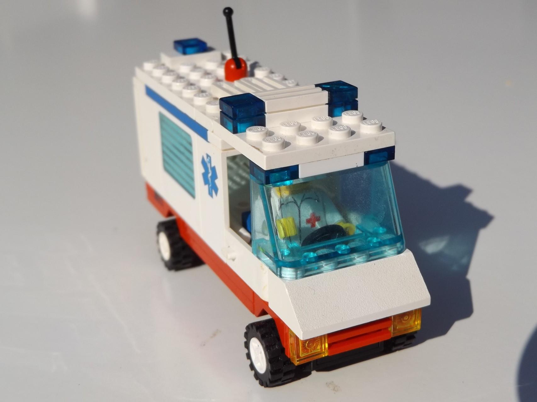Krankenwagen 6666