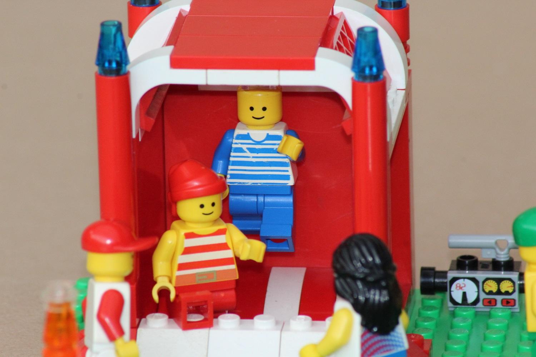 Hüpfburg aus Legoelementen