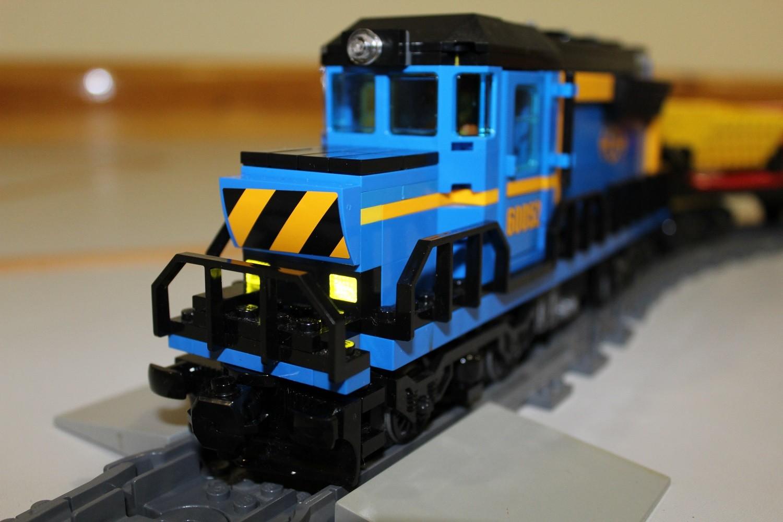 Lokomotive mit aktivem Frontfahrlicht
