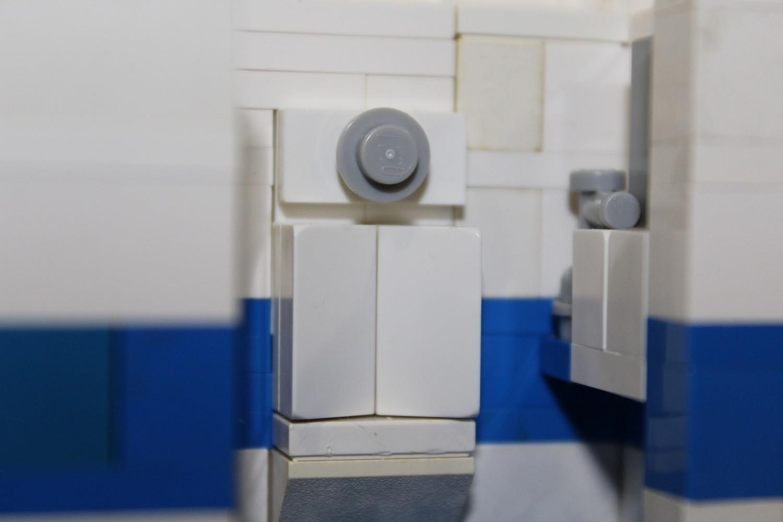 Toilettenwagen Pissoir und Waschbecken