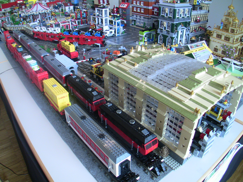 MOC Autozug am Güterbahnhof