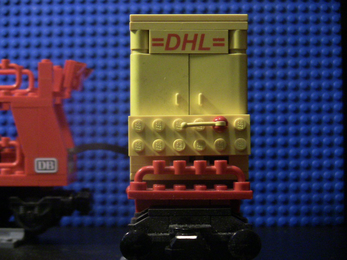 MOC DHL-Container-Waggon