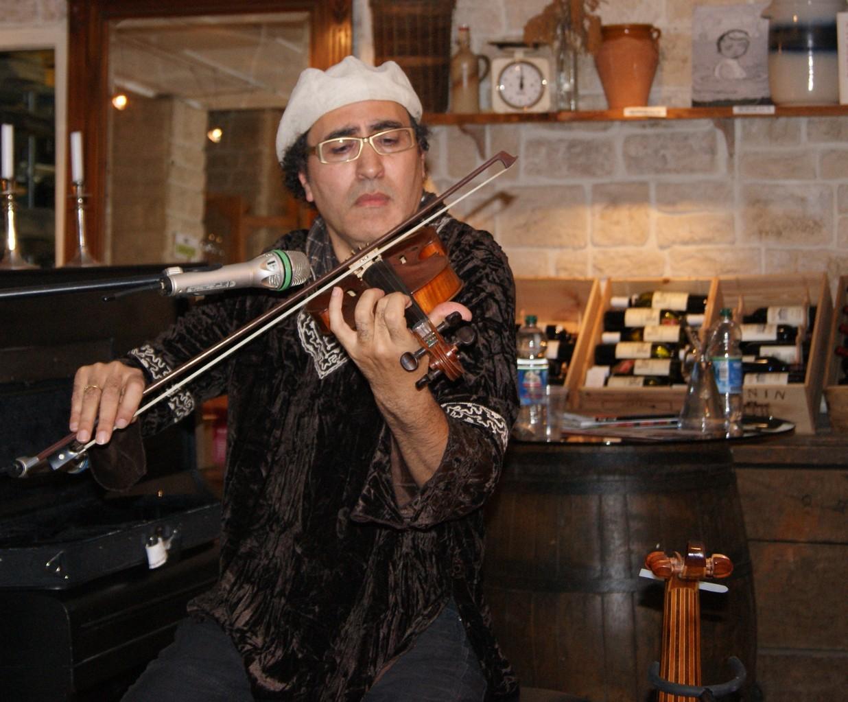 Chaouki Smahi an der Geige | Foto: T. Riehle
