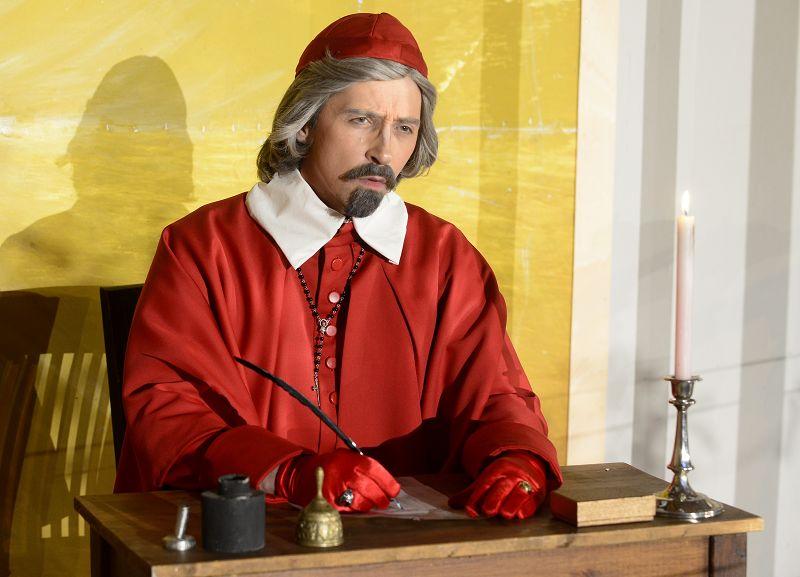 Kardinal Richelieu (Holger Schlosser) spinnt seine Fäden | Foto: M. Niethammer