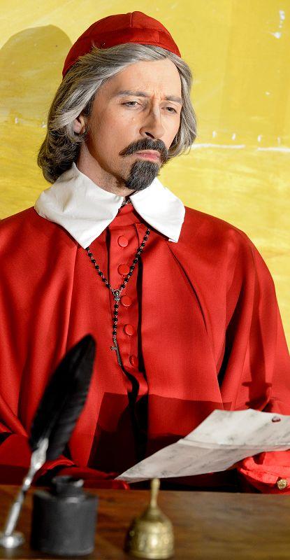 Kardinal Richelieu (Holger Schlosser) sinniert | Foto: M. Niethammer
