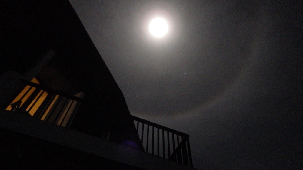 """@ El Hierro: Der Mond mit seinem """"Hof"""", Sternschnuppen inklusive.....💫💫💫"""