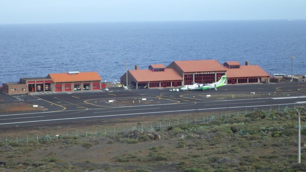 Flughafen ElHierro mit Binter Flug. @ El Hierro