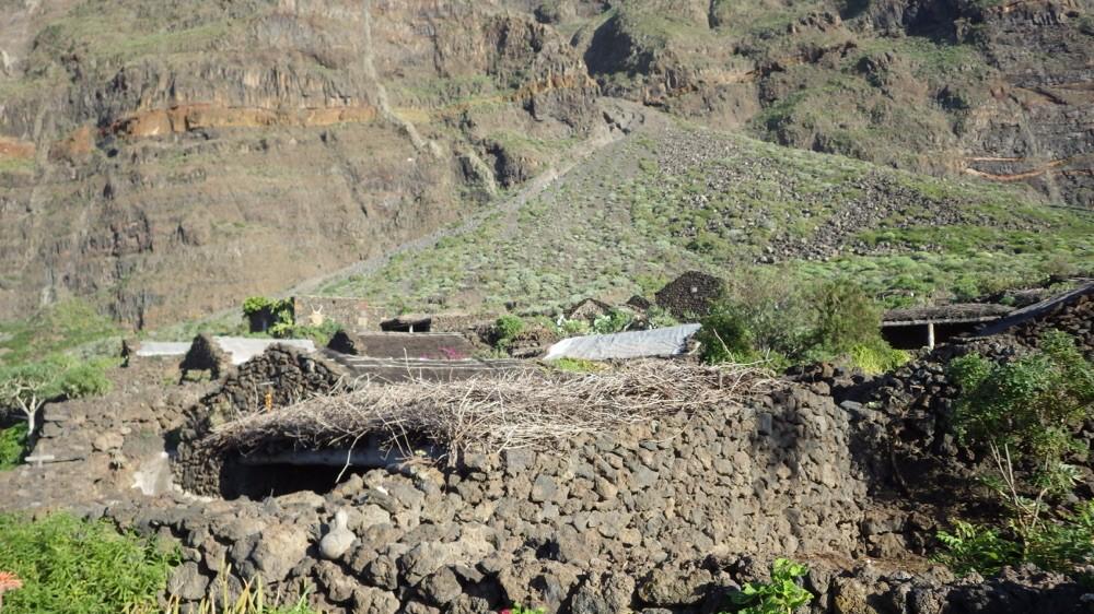 Wie mit dem Fels verschmolzen, die Steinhäuser von Guinea @ El Hierro