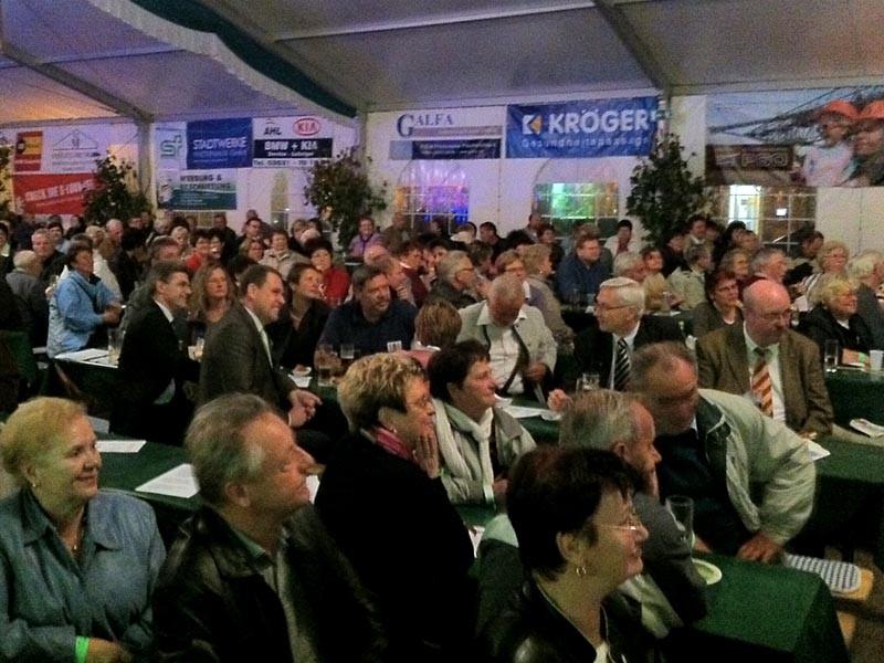 Bürgermeister, geladene Gäste und Sponsoren