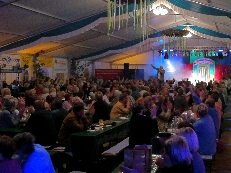 """PartyShowBand """"Sowieso"""" am Samstag"""