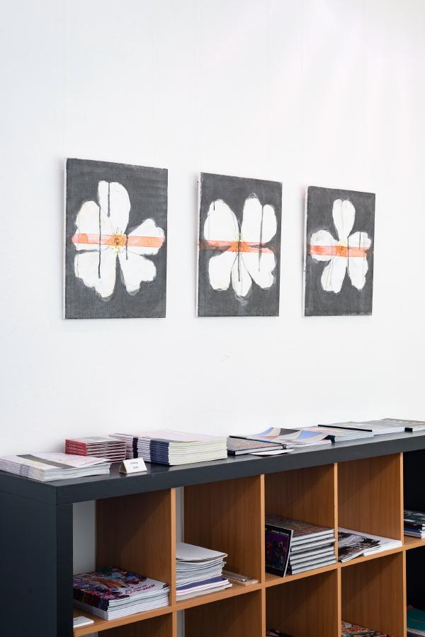Gebrochene Blüte I-III, 2020, je 50 x 40 cm