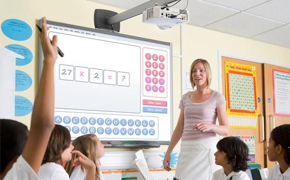 Videoprojecteur interactif à l'école