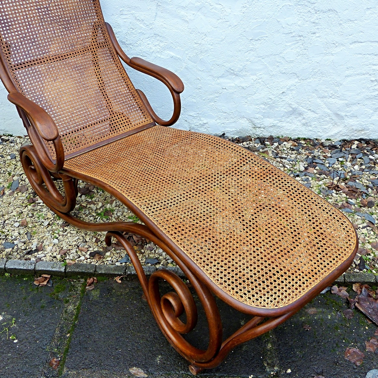 Chaise médaillon en bois blanc et tissu beige Vical home VH
