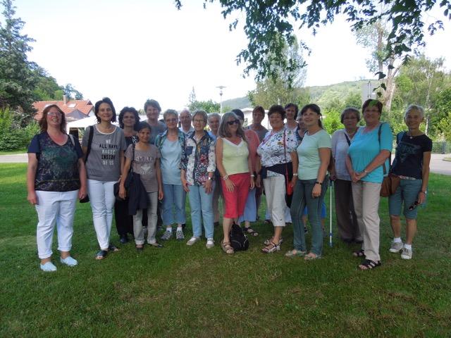 Gruppenfoto beim Sommerausflug der Mitarbeiter der ökumenischen Nachbarschaftshilfe Oberkochen