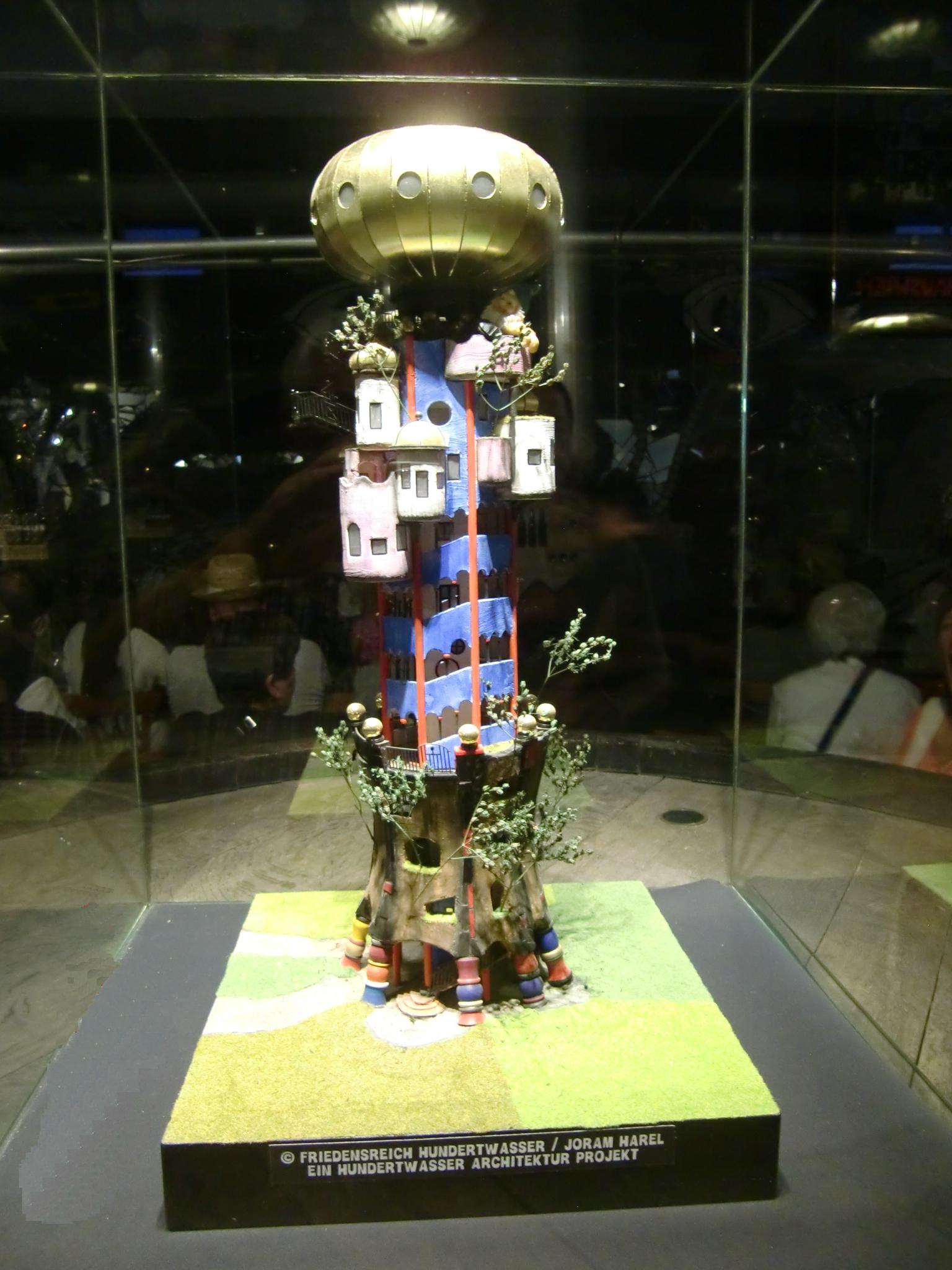 Modell des Hundertwasserturms