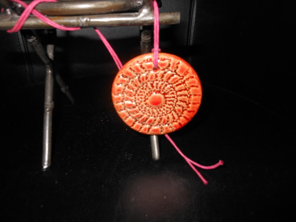 pendentif orange © ClicknJoyArt 123RF