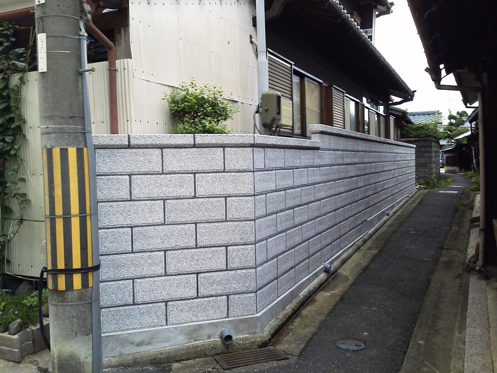 外構工事 施工事例 大谷石風ブロック 奈良県北葛城郡広陵町