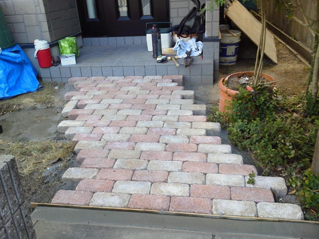 ポーチまでのアプローチ改修後 庭園改修工事@奈良県生駒市
