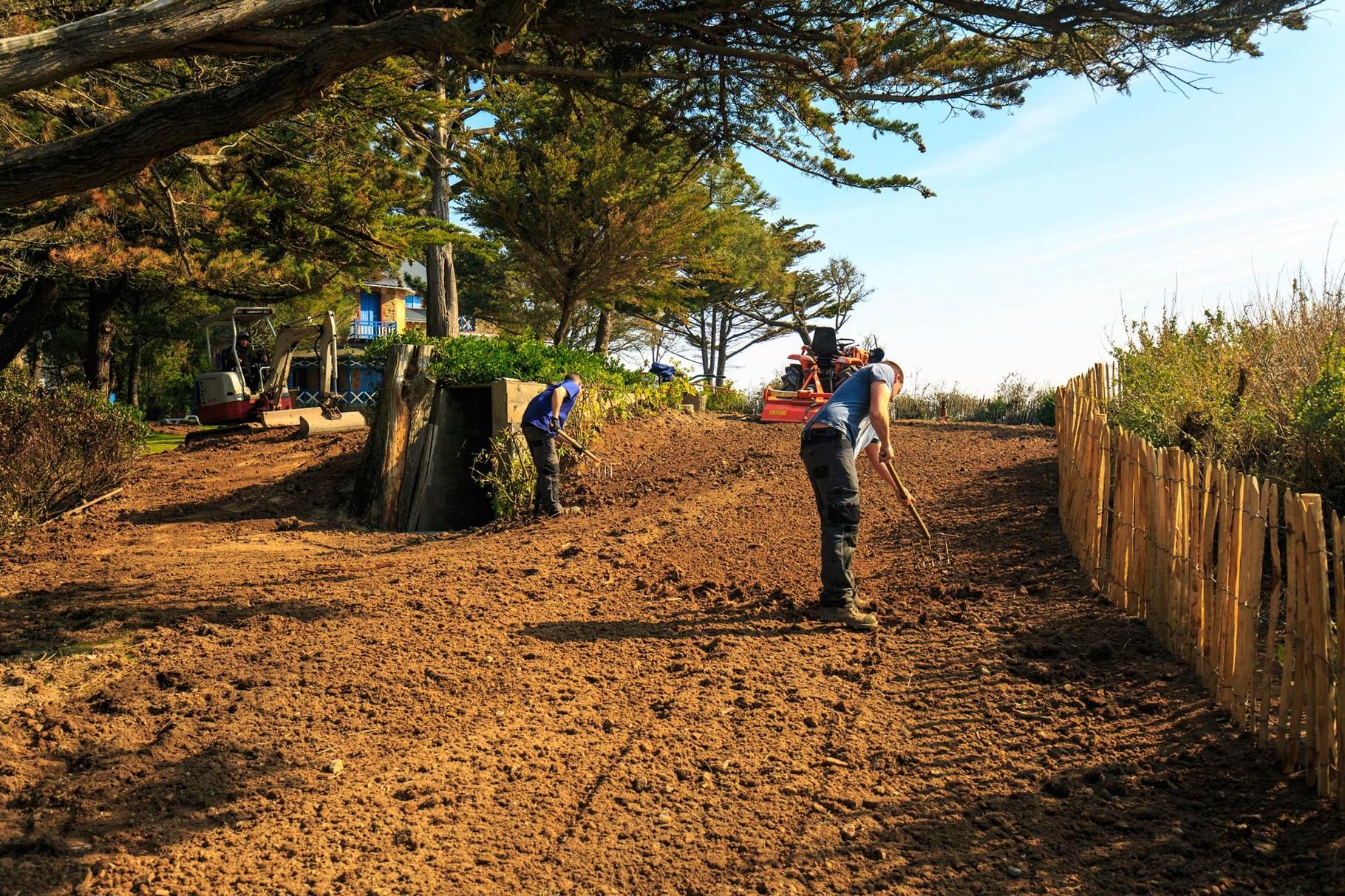 Cr ation et entretien des jardins manu paysage for Entretien jardin 31