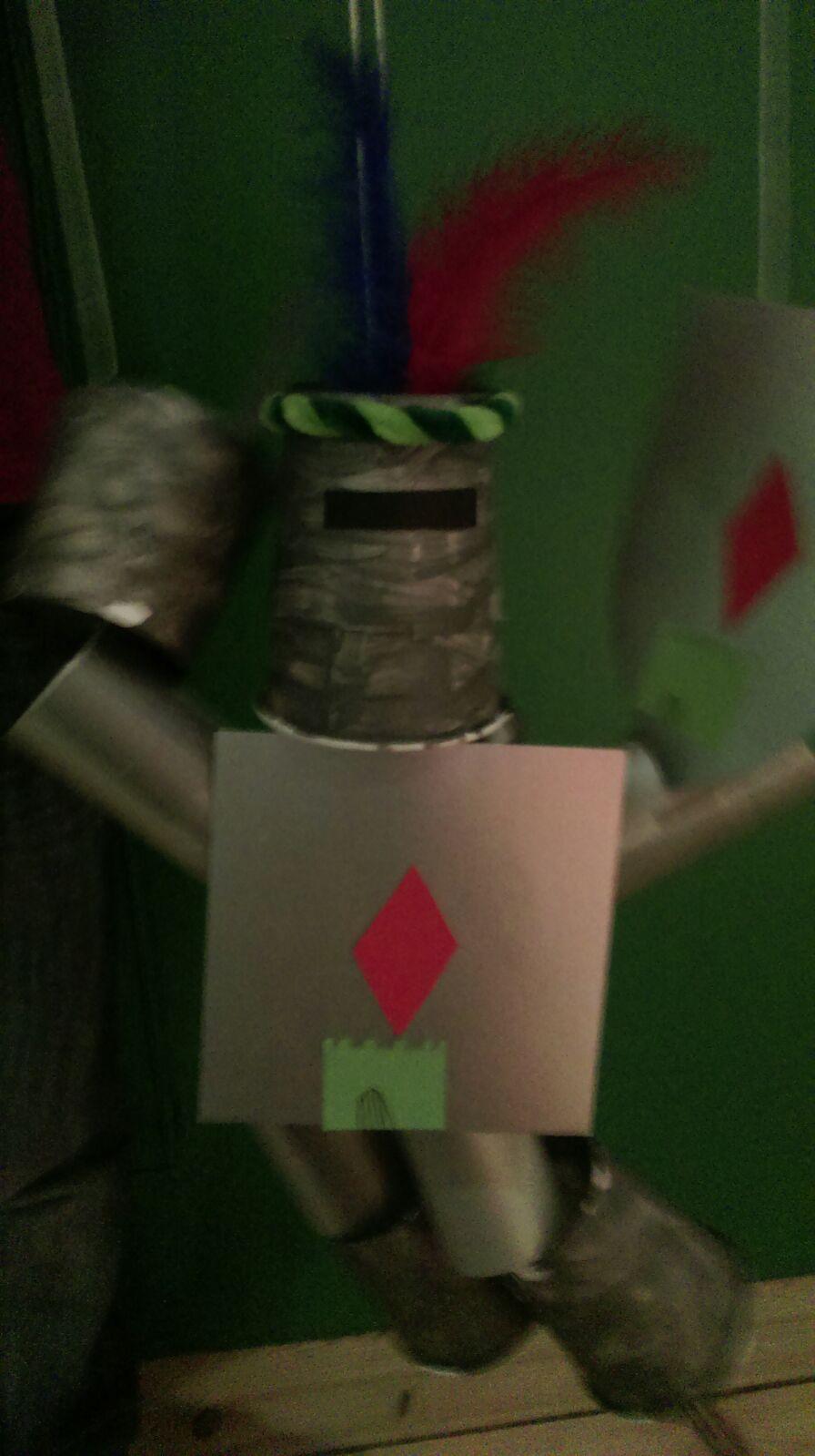 Jeder Leseheld hat eine eigene Ritter-Marionette gebastelt!