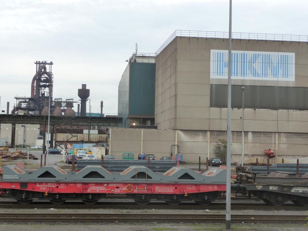 Spezialwaggons der Bundesbahn bei der HKM ...