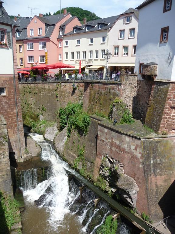 Wasserfall im Ortskern