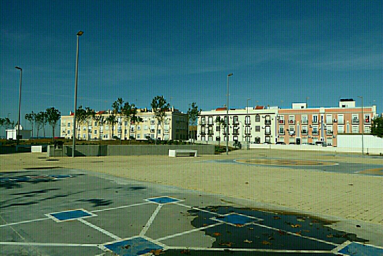- kleine Parkanlage | Häuser am Hafen