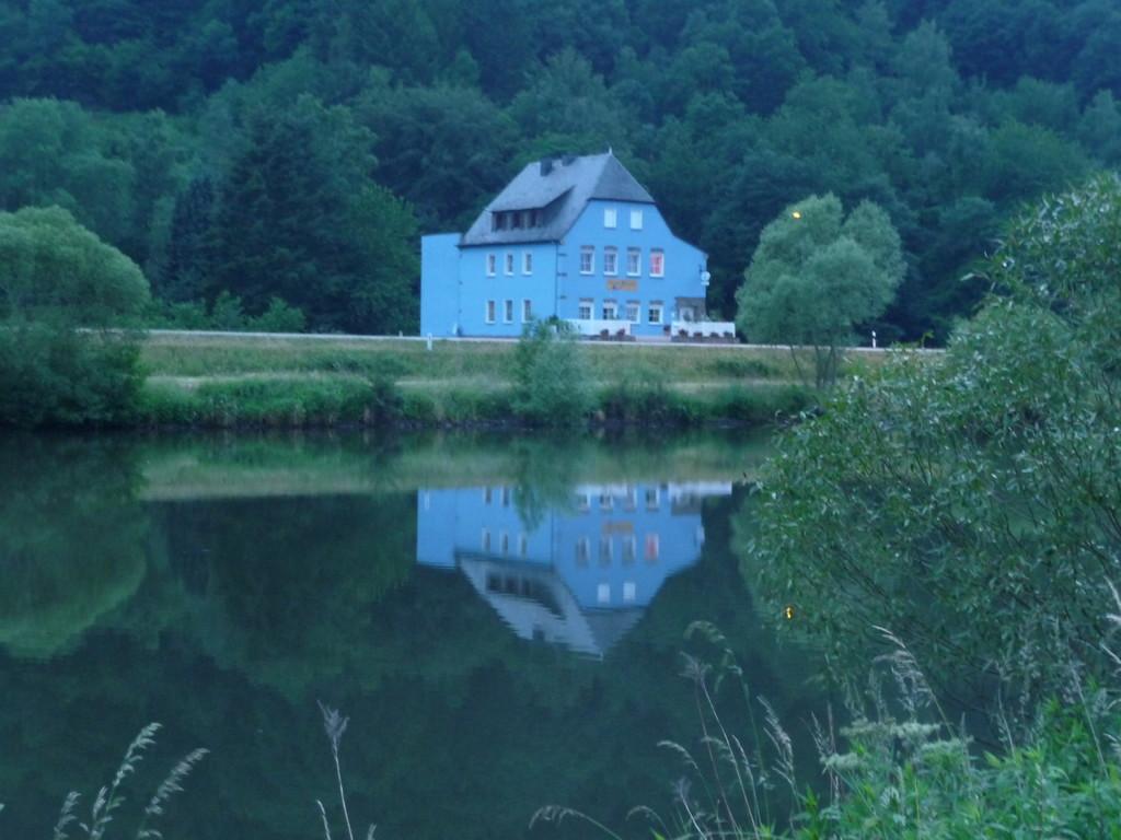das blaue Haus an der Saar ...