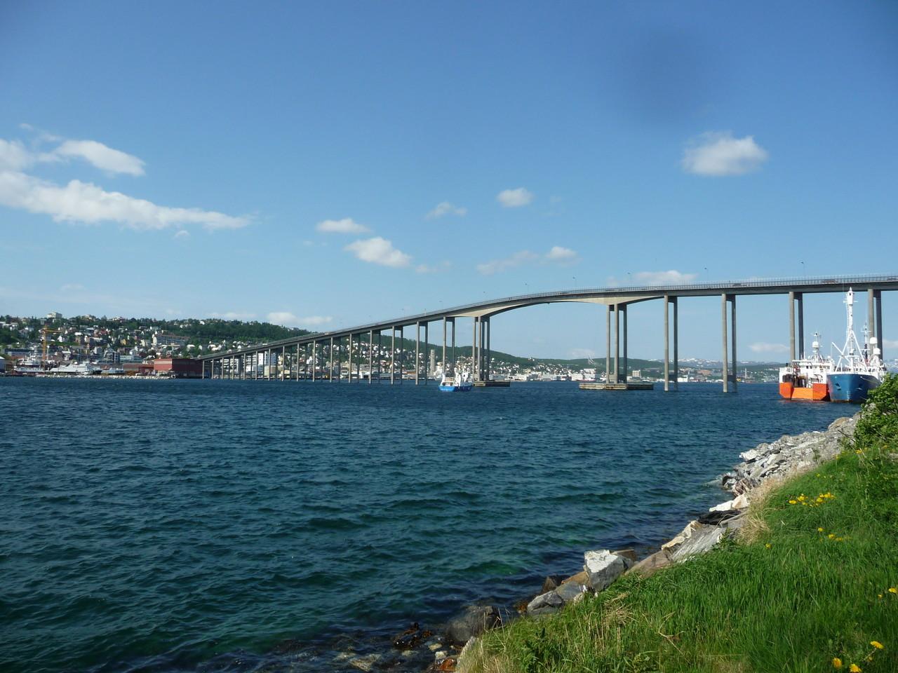 die Brücke nach Tromsö Innenstadt