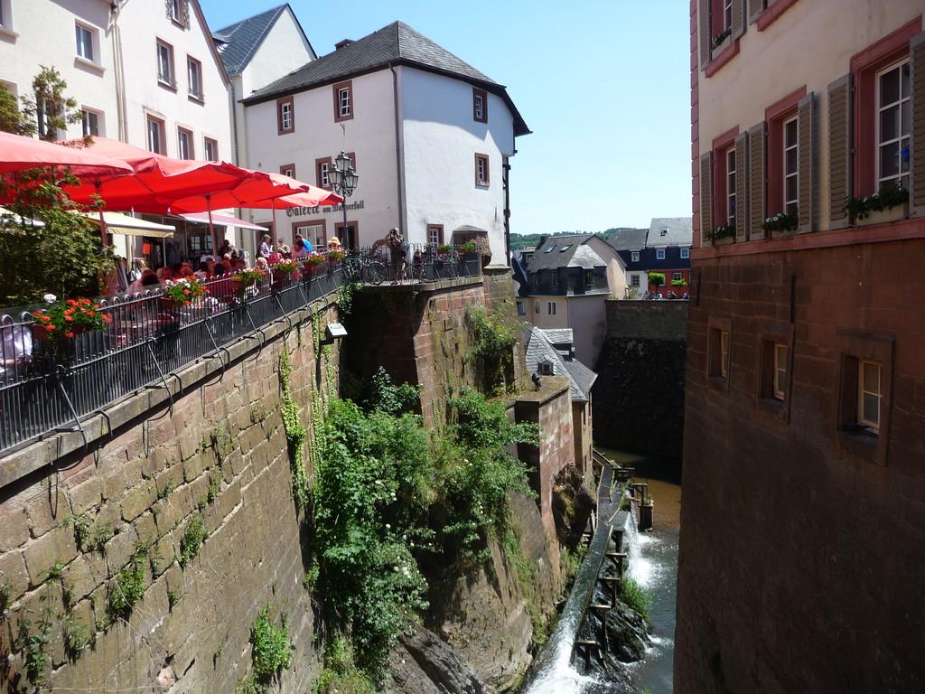 die Innenstadt Saarburgs ...