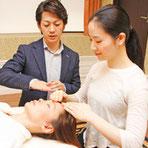 リンパマッサージ専門スクール「日本リンパケア研究協会」の授業の様子