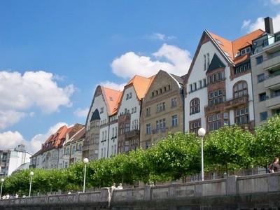Rheinufer-Promenade (c) Adrian v. Allenstein - fotolia.com